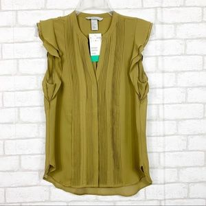 H&M | Sleeveless V-Neck Ruffle Blouse